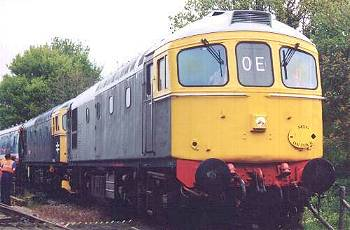 065 in multiple with 063 at Eythorne- last train of the day on Sun 5th May, 16.45 to Shepherdswell
