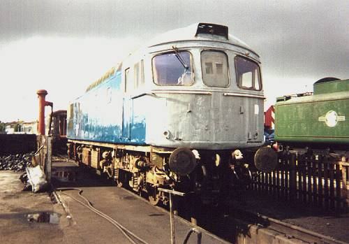 33018 at the Railway Age, Crewe. 5/9/00  - photo D.Robinson