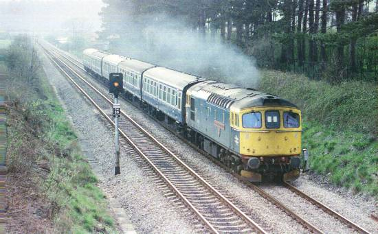 33027 'Lord Mountbatten of Burma' approaching Caerleon heading North, 19/4/85