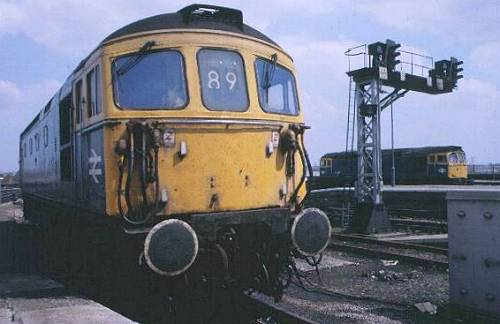 33110 in the holding spur while 33059 runs off into spur