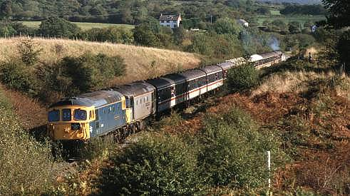 33106+33109 approaching Tower colliery with 'The Faulty Tower' 21/1/95