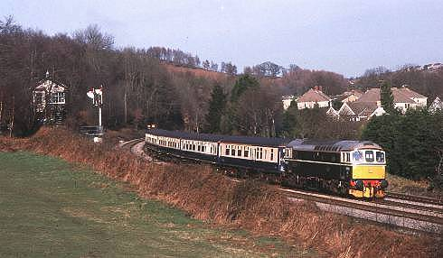 33208 (D6593) on Cdf. - Rhymney - Cdf. crew training passing Ystrad Mynach box 01/98