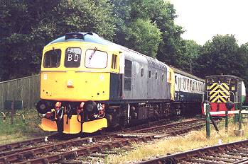 063 ready to take out the 1400 service to Eythorne. 16/7/00  photo D.Robinson
