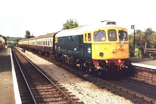 33048 at Williton, about to run-round for the trip back to Minehead, 25 Aug 2001