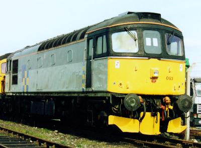 33063 in bright sunshine and Construction Sector Grey - photo D.Robinson.